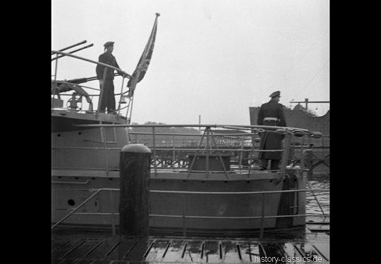 Wehrmacht Kriegsmarine U-Boot des Typs VII C - Indienststellung U 1058