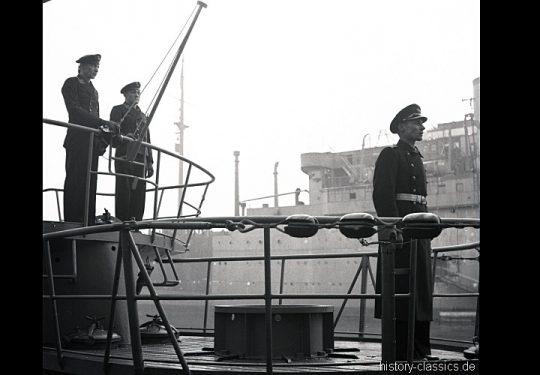 Wehrmacht Kriegsmarine U-Boot des Typs VII C - Indienststellung U 244