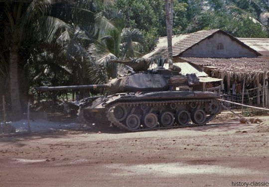 Süd Vietnam Heer / Army of the Republic of Vietnam leichter Kampfpanzer / Light Tank M41 Walker Bulldog