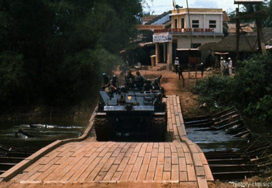 USMC United States Marine Corps - Schwerer Bergepanzer / Heavy Recovery Vehicle M51 - USA Vietnam-Krieg / Vietnam War