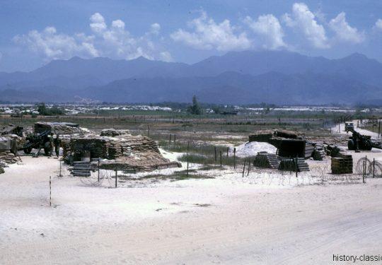 USA Vietnam-Krieg / Vietnam War  - USMC United States Marine Corps 3rd Marine Division / 1st Battalion Whiskey Battery Da Nang - Leichte Feldhaubitze M101 - M2 105 mm / Leight Howitzer M101 - M2 4.1 Inch