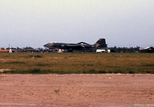 USA Vietnam-Krieg / Vietnam War - Da Nang - USAF United States Air Force Martin B-57B Canberra