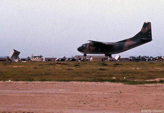 USA Vietnam-Krieg / Vietnam War - Air Base Da Nang - USAF United States Air Force Fairchild C-123 Provider