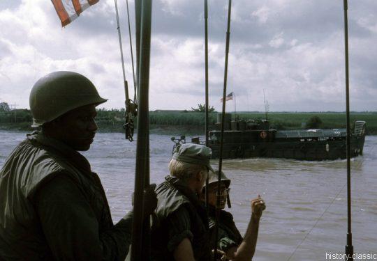 USA Vietnam-Krieg / Vietnam War - ATC Armored Troop Carrier / Tango-Boat
