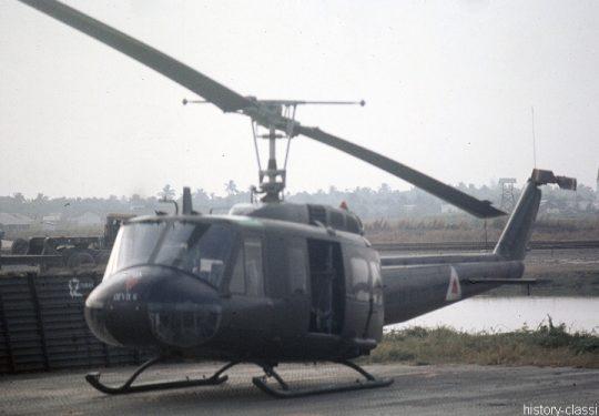 US ARMY / United States Army  Bell UH-1D mit Lausprecher - USA Vietnam-Krieg / Vietnam War