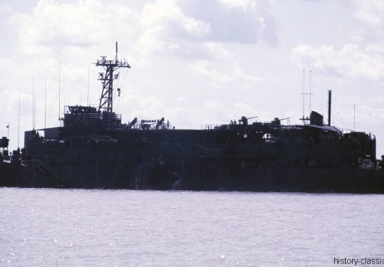 USA Vietnam-Krieg / Vietnam War - Wohnschiff / Barracks Ship - USS Benewah APB-35