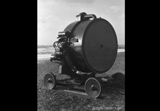 Wehrmacht Luftwaffe FLAK-Scheinwerfer / Flakscheinwerfer / 152 cm - Sperry 60 Inch Anti-Aircraft Searchlight