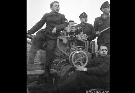 Wehrmacht Heer / Luftwaffe Flugabwehrkanone FLAK 3,7 cm / 37 mm - Ex Sowjetische Flugabwehrkanone M1939