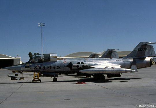 Bundeswehr Luftwaffe Lockheed F-104G Starfighter mit US-Markierungen / USAF