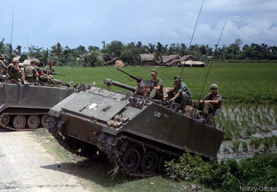 US ARMY / United States Army Armored Flamethrower M132 / Zippo - Vietnam-Krieg / Vietnam War