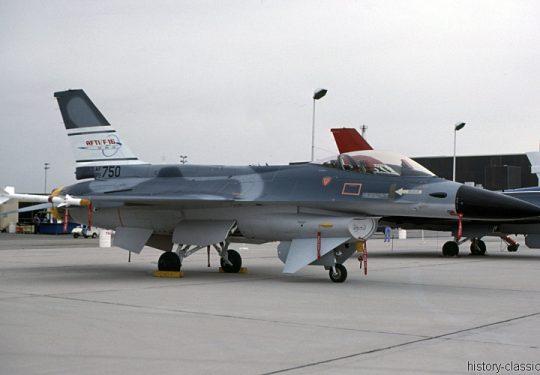 USAF United States Air Force General Dynamics YF-16A Fighting Falcon / AFTI