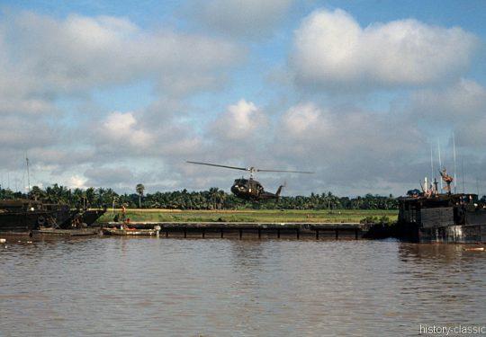 USA Vietnam-Krieg / Vietnam War - ATC(H) Armored Troop Carrier Helicopter / Tango-Boat