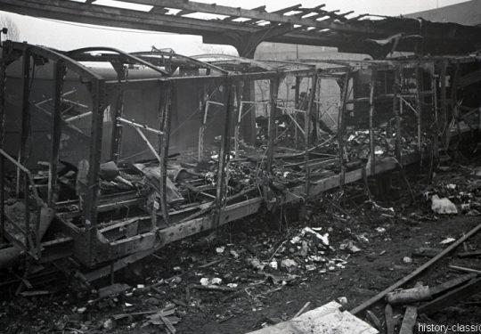 Deutsche Reichbsbahn Bahnhof (unbekannt) nach einer Bombennacht