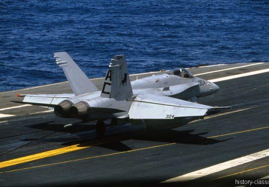 US NAVY / United States Navy McDonnell Douglas F-18C - Flugzeugträger  Kitty-Hawk-Klasse / Aircraft Carrier  Kitty-Hawk-Class - USS John F. Kennedy CV-67