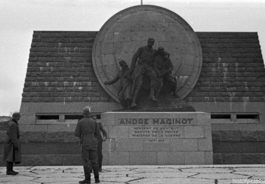 Frankreich Kriegsgräber / Graveyard -  Verdun - André Maginot Monument