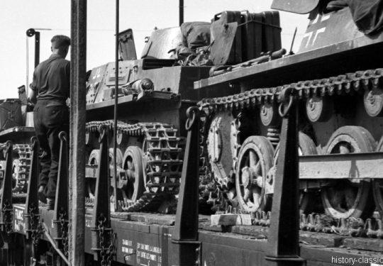 Wehrmacht Heer Panzerkampfwagen I PzKpfw I Panzer I Ausf. B  - Panzertransport mit der Deutschen Reichsbahn zur Vorbereitung des Einmarsch und  Besetzung Frankreich