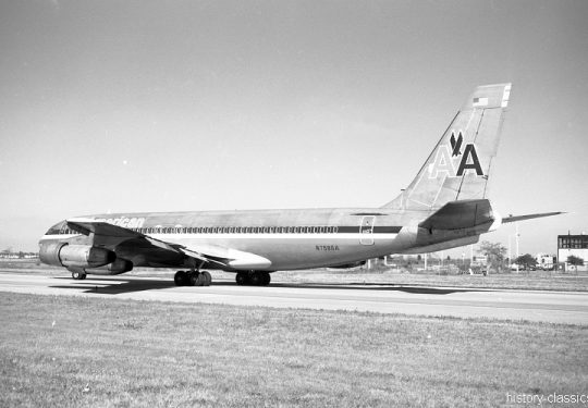 American Airlines Boeing 707-123B