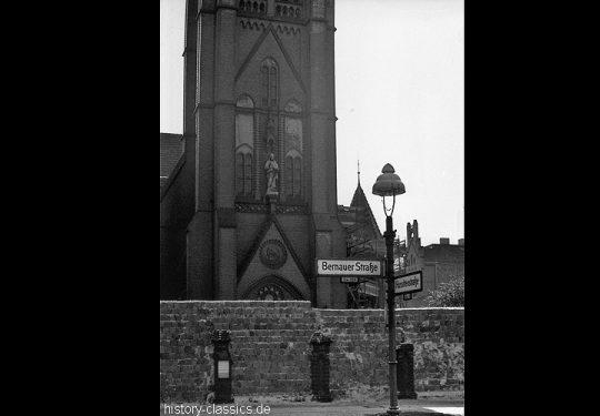 Maueransichten Berlin Bernauer Strasse Versöhnungskirche