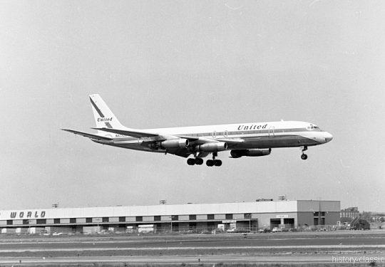 United Airlines Douglas DC-8-33