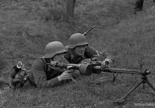 Wehrmacht Luftwaffe Maschinengewehr MG 34 - Ausbildung