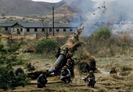 US ARMY / United States Army Schwere Feldhaubitze M59 - M1 155 mm / Heavy Howitzer M59 - M1 6.1 Inch Long Tom - Korea-Krieg / Korean War