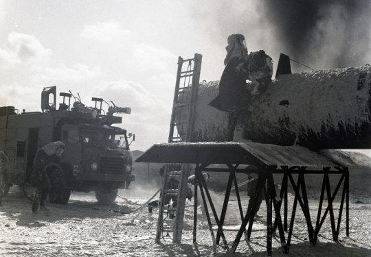 US NAVY / United States Navy - Ausbildung / Military Training - Firetruck Air Base
