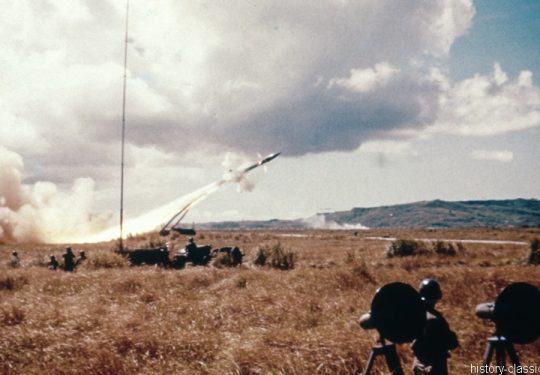 US ARMY / United States Army Kurzstreckenrakete / Surface to Surface Missile MGR-1 Honest John mit M289