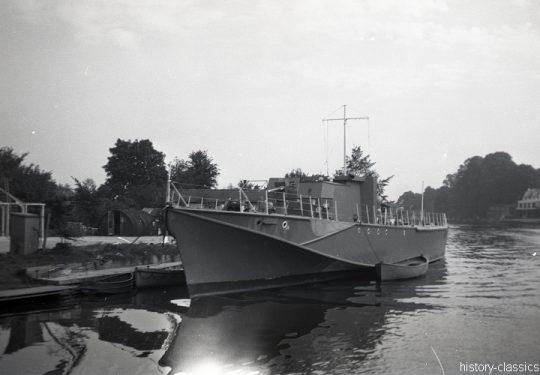 ROYAL NAVY Schnellboot / Fast Patrol Boat / Ex-MTB Motor Torpedo Boat -  Fairmile D Class