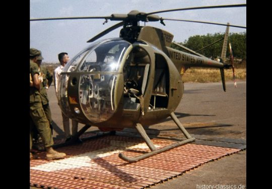 USA Vietnam-Krieg / Vietnam War - 24th Evacuation Hospital Long Binh - US ARMY / United States Army Hughes OH-6 Cayuse