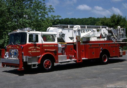 USA US-Fire Truck MACK CF Model Baker 75 Foot Tower Ladder