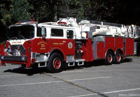 USA US-Fire Truck MACK CF Modell Baker 95 Foot Tower Ladder