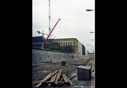 Ehemaliger Grenzübergang Berlin Friedrichstraße - 1990 - Blick von der Zimmerstrasse